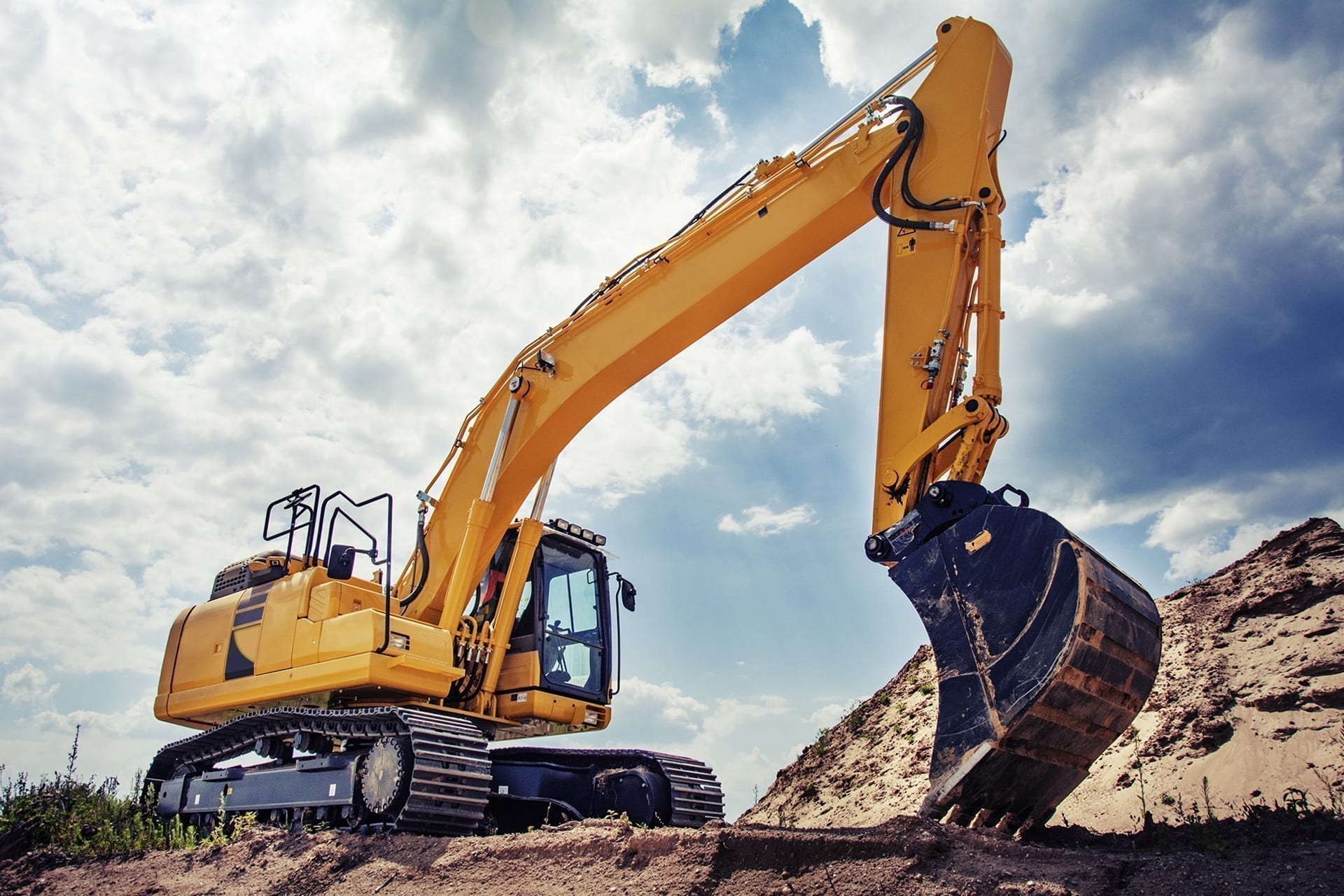 Agricultural_and_Construction Machinery